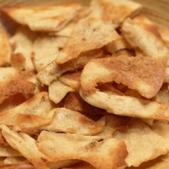 Easy Crispy Crunchy Homemade Crackers