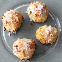 Coconut Peppermint Macaroons